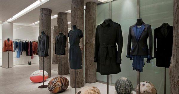 cerruti rouvre sa boutique parisienne. Black Bedroom Furniture Sets. Home Design Ideas