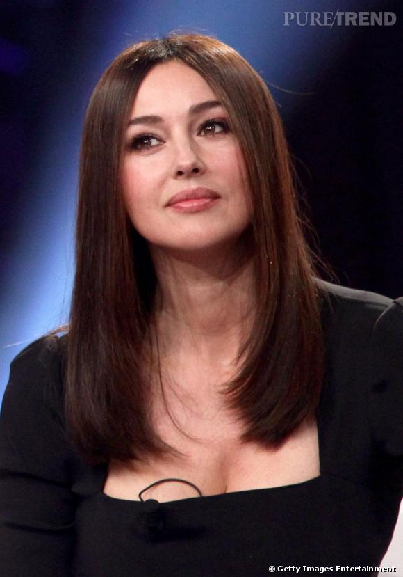 Monica Bellucci, radieuse et peu maquillée pour être parfaite lors de son interview.