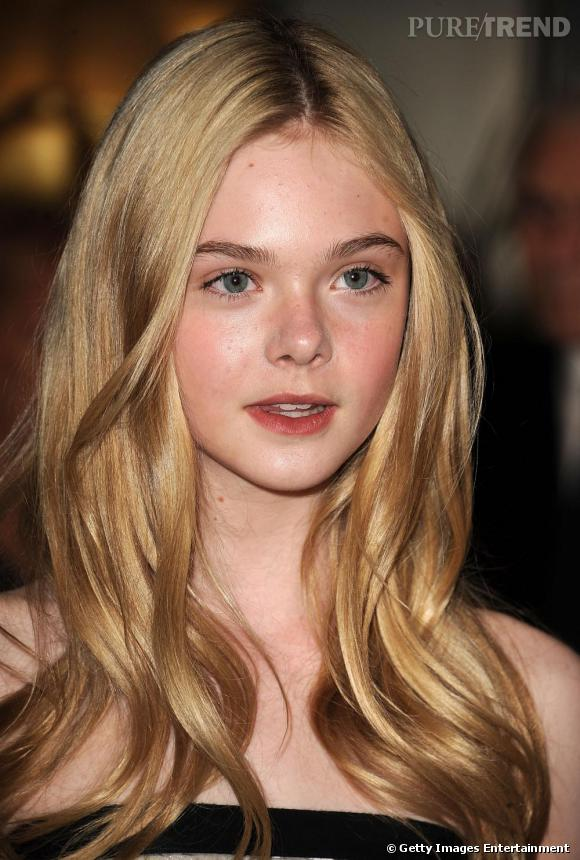"""Elle Fanning aux """"Academy Of Motion Picture Arts And Sciences Awards"""" à Los Angeles."""