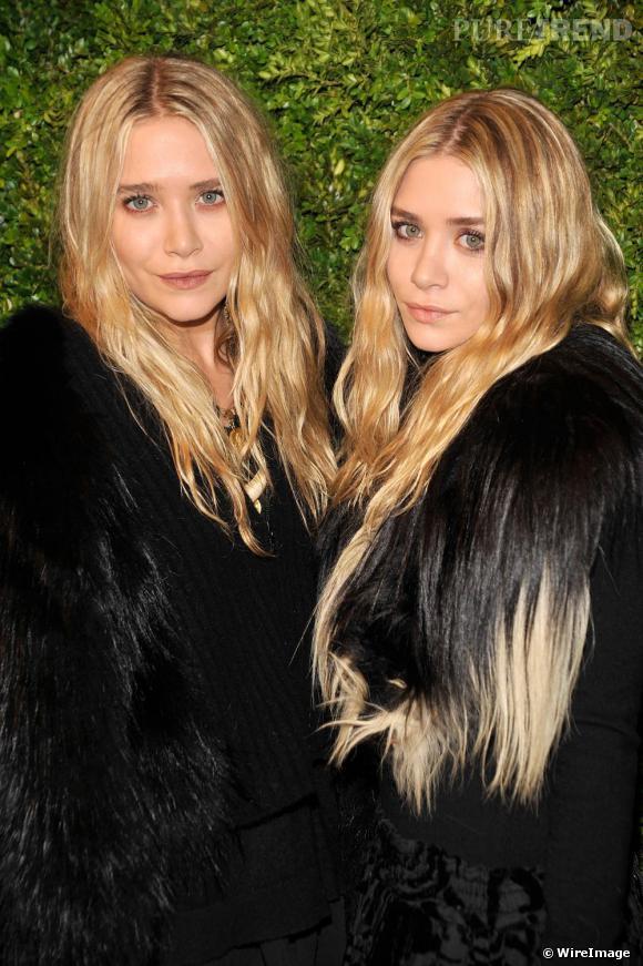 Mary Kate et Ashley Olsen aux CFDA / Vogue Fashion Fund Awards à New York.