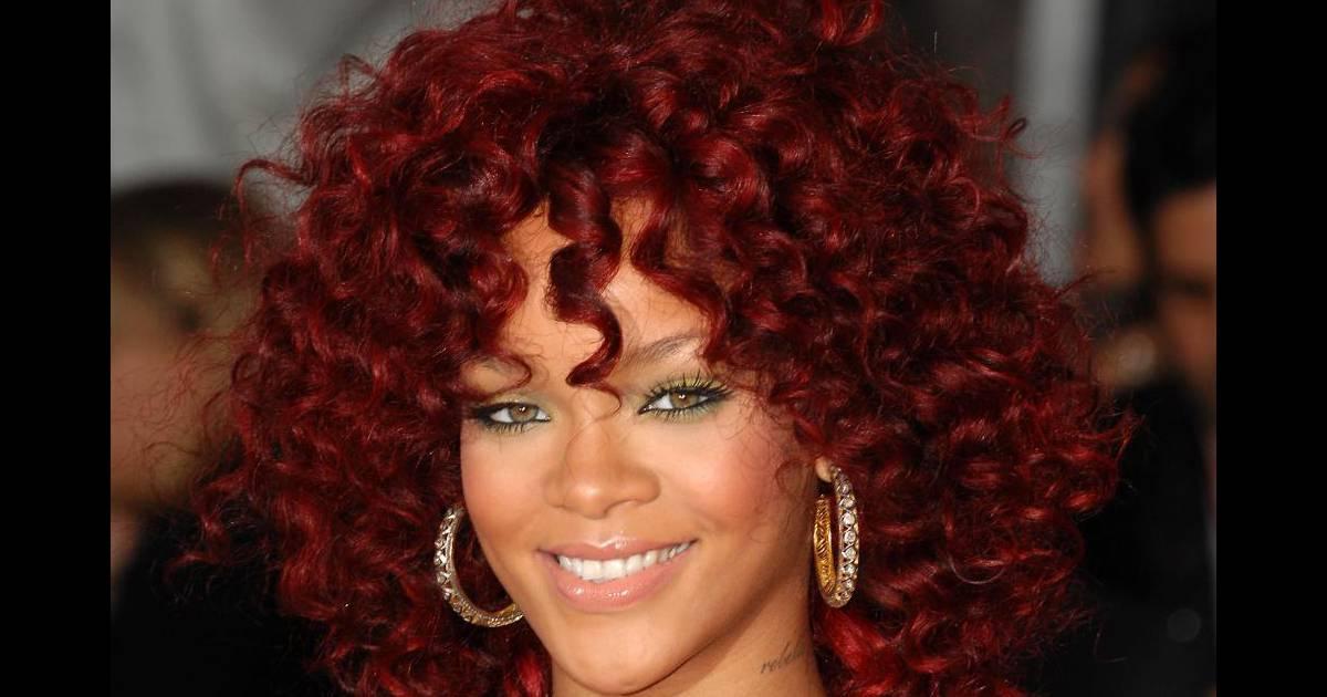nouvelle couleur de cheveux pour la chanteuse qui s 39 essaye. Black Bedroom Furniture Sets. Home Design Ideas