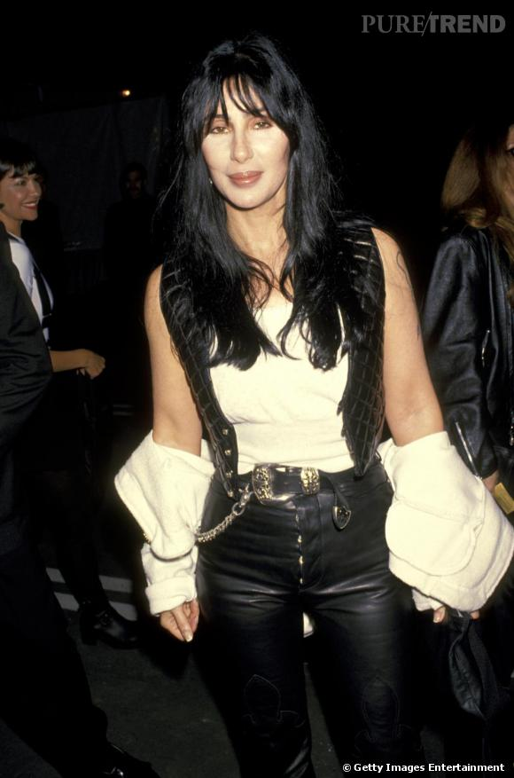 En 1994, Cher a une obsession, le cuir façon cow-girl.