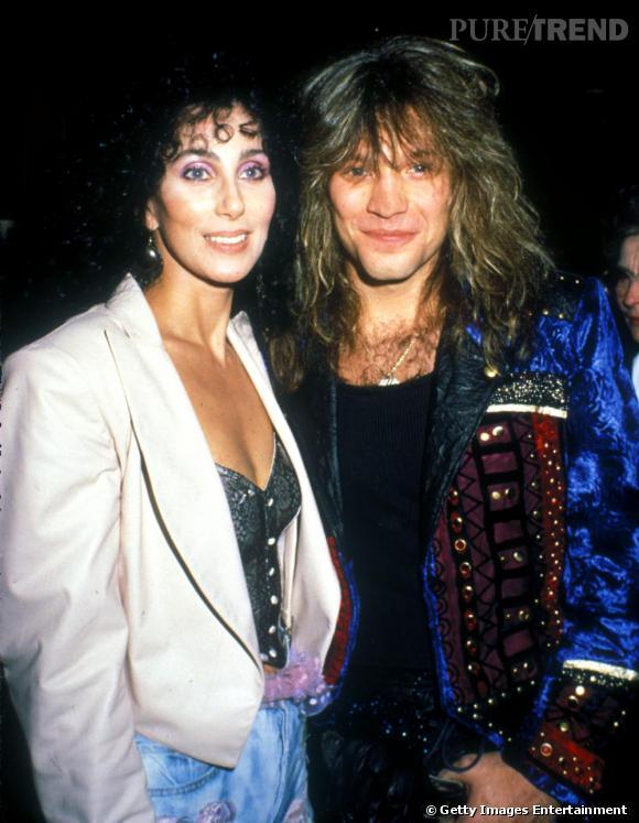 """L'album """"Cher"""" sonne le come-back rock de la chanteuse. Pour ce nouvelle opus, elle s'offre des collaborations avec Bon Jovi ou encore Bonnie Tyler."""