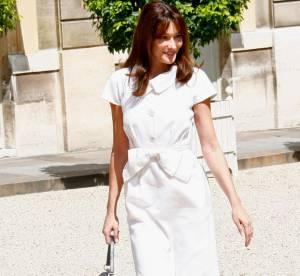 Carla Bruni : prise la main dans le sac