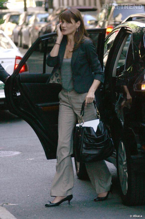 Shopping bag Christian Dior, Carla Bruni mise sur l'excellence française en matière de luxe. Le plus élégant des sacs fourre-tout.
