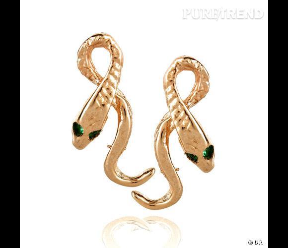 Boucles d'oreilles Anita Ko       Des serpents plaqué or aux oreilles, c'est exotique.    Prix : 402€    En vente sur  www.net-a-porter.com