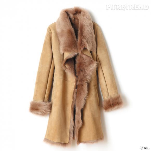 Manteau Briefing       Un manteau en peau et fourrure, pour satisfaire son côté animal et BCBG.    Prix : 999.99€     En vente aux galeries Lafayette