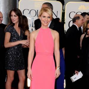 Claire Danes mise sur la robe rose Calvin Klein.