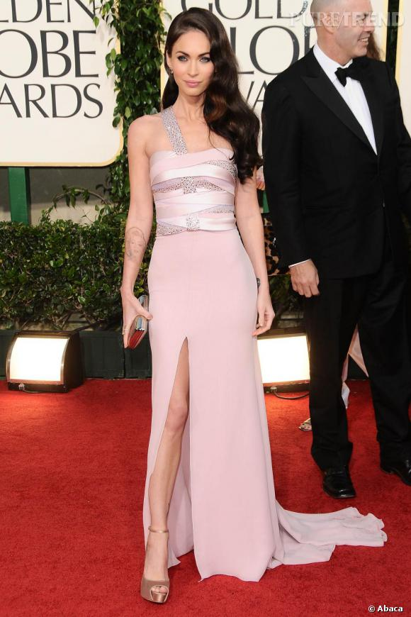 Megan Fox, sexy, en Armani Privé.