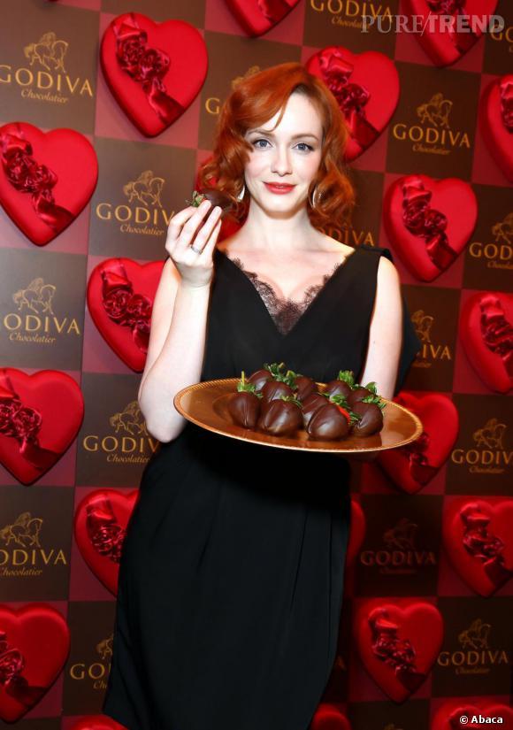 Christina Hendricks à l'ouverture d'une boutique éphémère Godiva, sur la 5e Avenue, pour la Saint-Valentin.