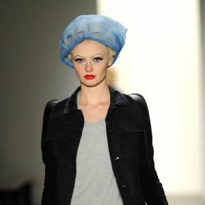 Mi-punk, mi-pin up, chez Jeremy Scott les mannequins sont déjantées.