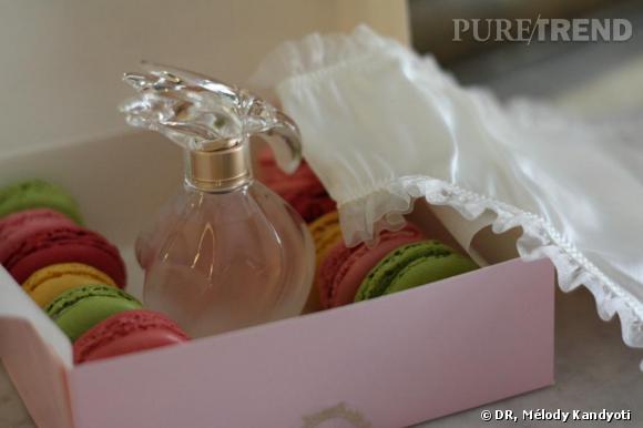Macarons  Ladurée , parfum L'Air de   Nina Ricci  , culotte en soie  Le Boudoir de Marie , 149€.