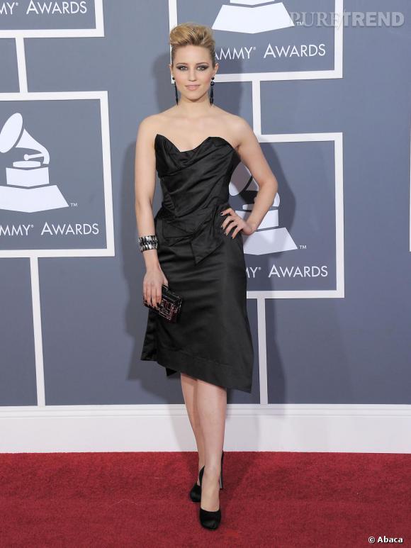 Dianna Agron de Glee, en Vivienne Westwood Gold Label et escarpins Salvatore Ferragamo.