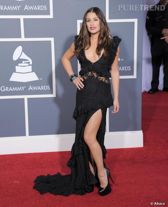 Lea Michele entreprenante, en Emilio Pucci printemps-été 2011 et escarpins Louboutin.