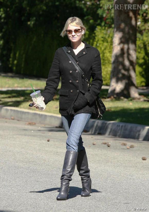 Renée Zellweger dans les rues de Santa Monica.