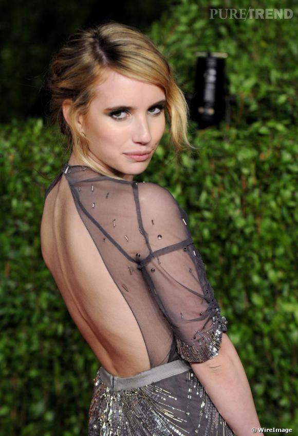 """Emma Roberts à la """"Vanity Fair Oscars Party""""."""