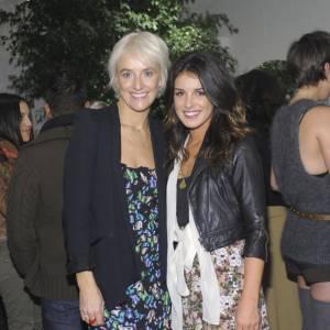 Le jeune femme prend la pose aux côtés de Vanessa Bruno.