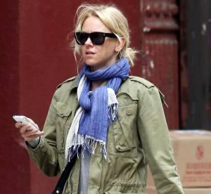 Naomi Watts revisite le look army... À shopper !