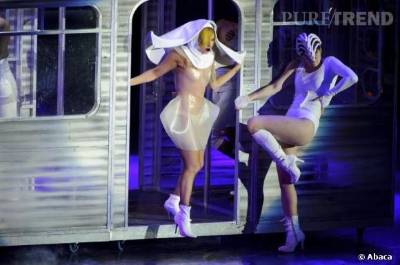 Lady Gaga aurait récemment lancé sa sex-tape. Pas si prude que ça, la Gaga.