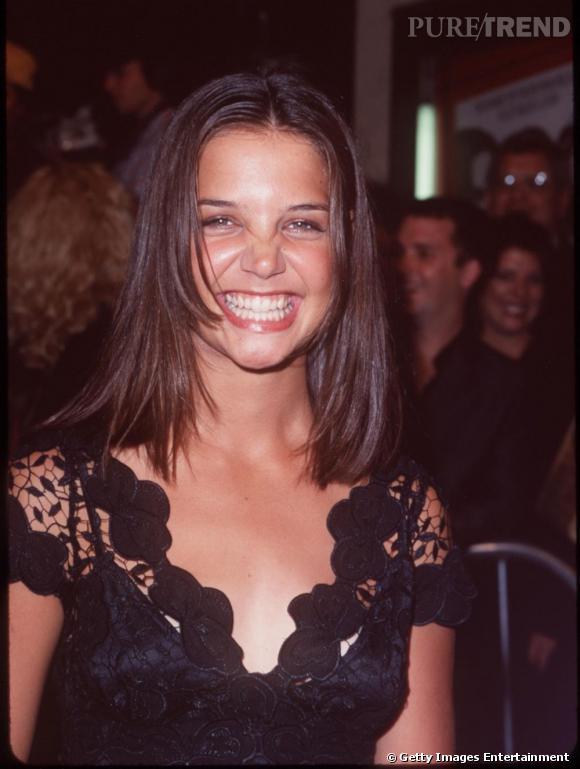 """Le sourire """"Buffy contre les vampires"""" de Katie Holmes :  Souvenez vous, dans cette série culte des années 90, les vampires se transformaient de cette manière."""