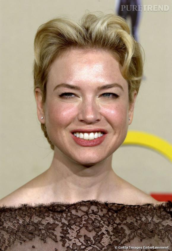 Le sourire bovin :  pardonnez-nous l'expression, mais Renee Zellweger n'est pas vraiment à son avantage...