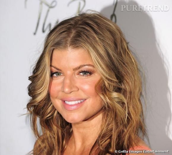 Le sourire botoxé :  Fergie donne l'impression que si elle continue à sourire, sa bouche va exploser.