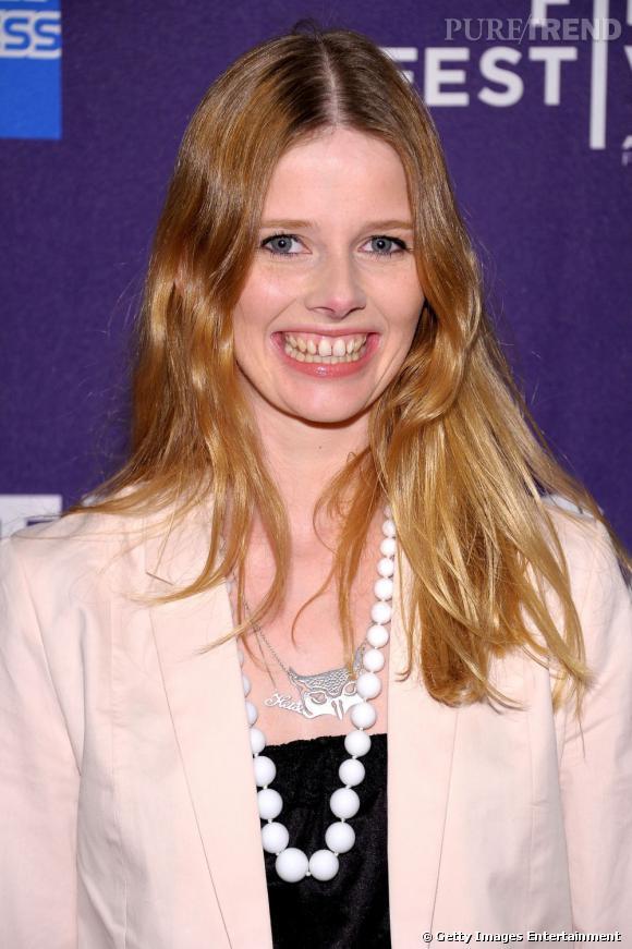 """Le sourire """"dent du bonheur"""" :  ça a beau faire son charme la plupart du temps, sur Heida Kristin Helgadottir on est pas convaincus."""