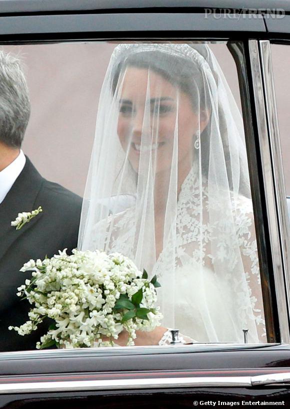 Kate Middleton arrive à son mariage avec le Prince William.
