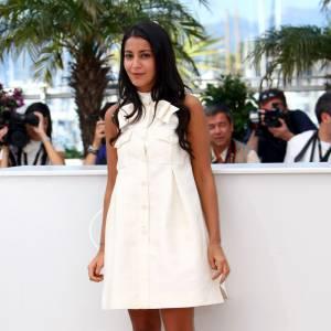 Robe trapèze Chanel, Leila Bekhti charme en douceur.