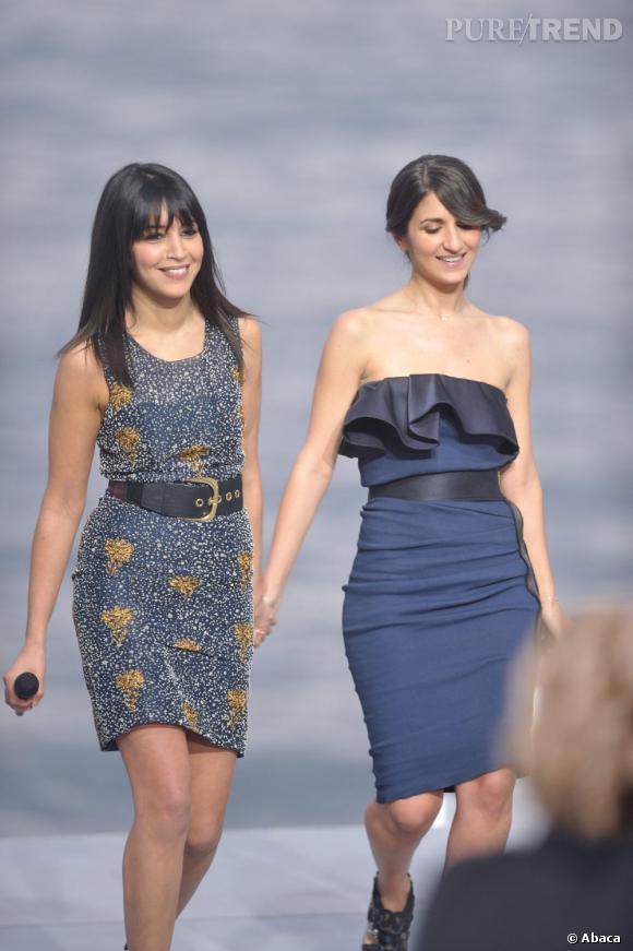 """Sur le plateau du """"Grand Journal"""", Géraldine Nakache et Leila Bekhti ont offert un duo chic, en robe bustier à volants pour la première, et robe imprimée fleurie pour notre protégée."""
