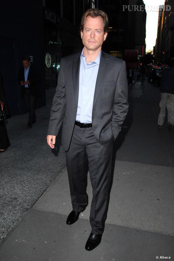 """Greg Kinnear rejoue la vie du Président John F.Kennedy dans """"The Kennedys""""."""