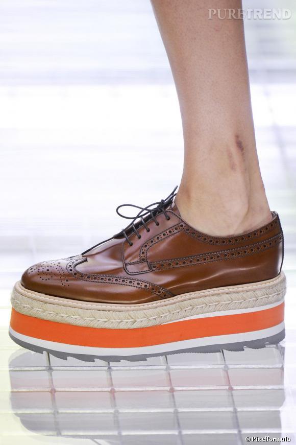 5e9e027a5cde5c L'emblème de la mode de fille c'est probablement cette chaussure ...
