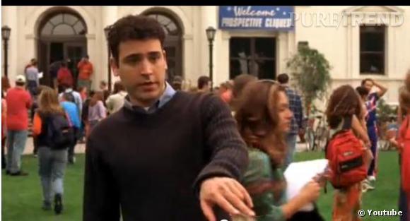 """Un acteur très discret. En 1999, il joue dans le film """"Welcome to New York"""" mais c'est dans le film """"Sex Academy"""" en 2001 qu'il connait le succès, interprétant le rôle du guide touristique."""
