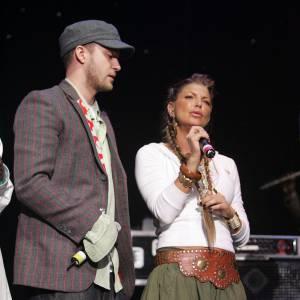 Justin Timberlake et Fergie. Rappelez-vous tout de même qu'à l'époque, les Black Eyed Peas faisaient la première partie des concerts de Justin.