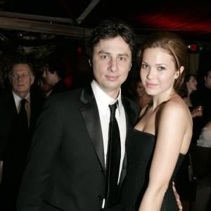 """Zack Braff et Mandy Moore : rencontrés sur le plateau de """"Scrubs"""", les deux acteurs ont eu une histoire qui a duré quelques années."""