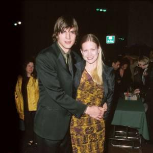 Ashton Kutcher et January Jones : avant d'aimer les cougars brunes, monsieur aimait les jeunes blondes.