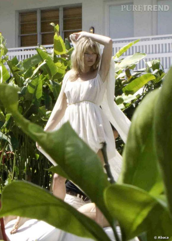 Kate se la joue virginale sous l'objectif de Bruce Weber en 2008.