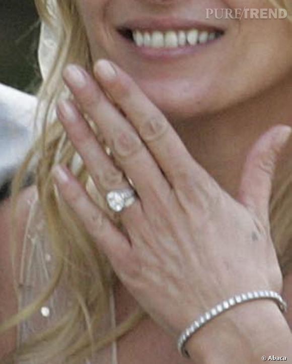 """Kate Moss va pouvoir chanter à tue tête """"Diamonds are a girl's best friend""""."""