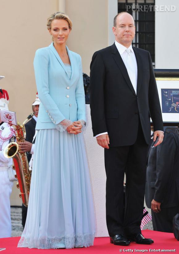 Charlène, en robe bleu ciel Karl Lagerfeld.
