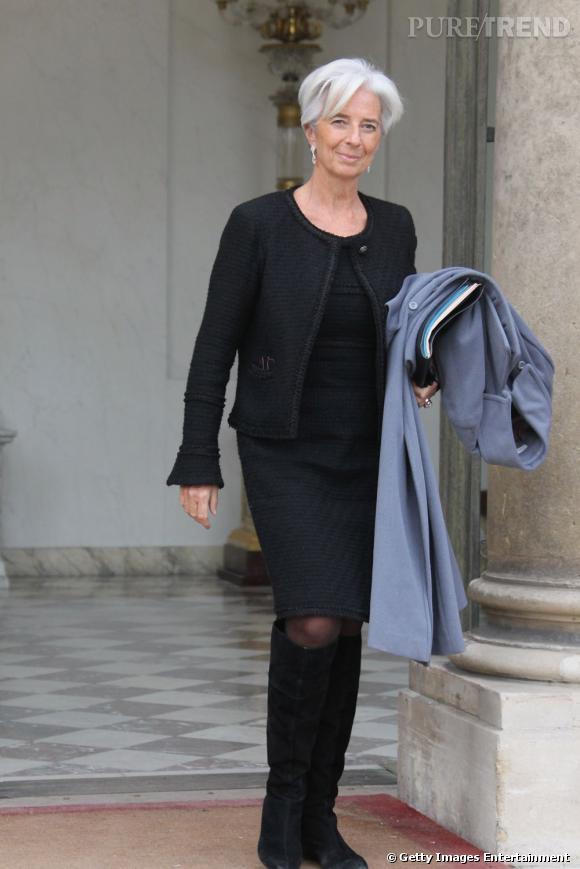 Robe classique et veste en tweed, la présidente du FMI sait trouver le juste milieu entre l'étiquette et le style.