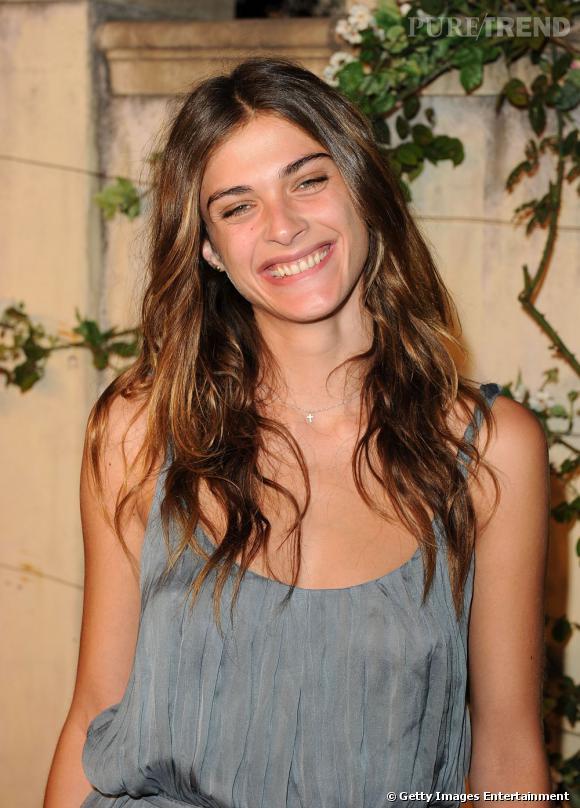 Elisa Sednaoui, naturelle, à la Parisienne.