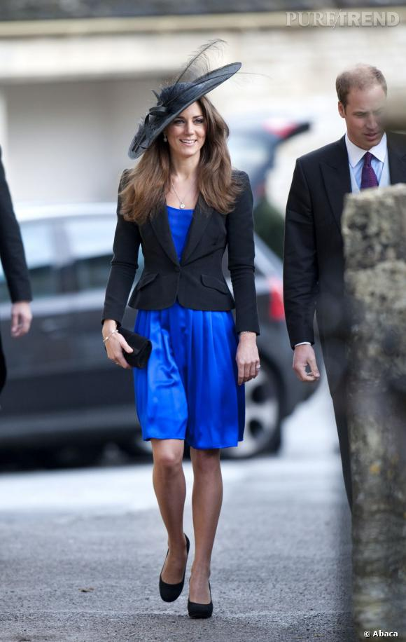 Toujours classe, Kate Middleton mise sur le blazer noir et ...