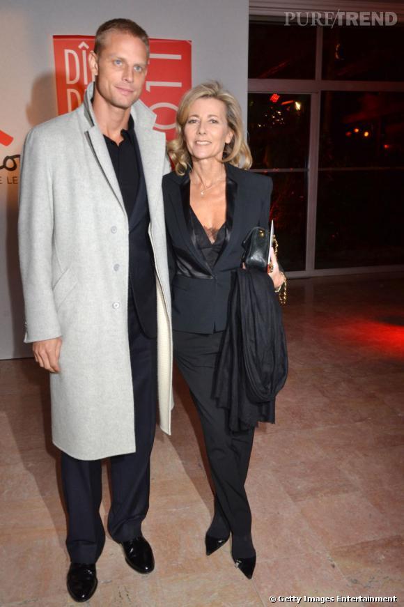A 54 ans, la carrière et le style de Claire Chazal sont au top : cheveux blonds, peau bronzé, présentatrice du JT de TF1... et boyfriend sexy, un mannequin qui répond au doux nom d'Arnaud Lemaire. Que rêver de plus ?