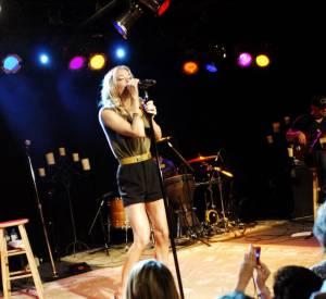 LeAnn Rimes, une apparition musclée pour son concert à Chicago.