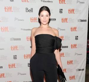 Gemma Arterton VS Sandra Bullock : la combinaison Lanvin