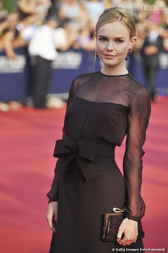 Kate est rayonnante en Valentino Automne-Hiver 2011/2012.
