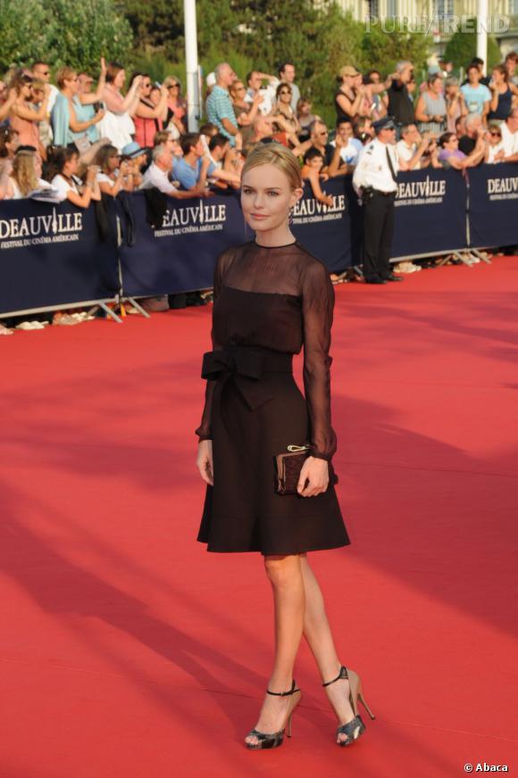 Kate Bosworth fait sensation dans une robe Valentino chocolat.