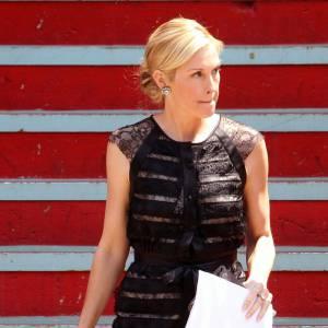 La maman de Gossip Girl, Kelly Rutherford, reste fidèle à son style chic et opte pour une petite robe noire en dentelle Carolina Herrera.