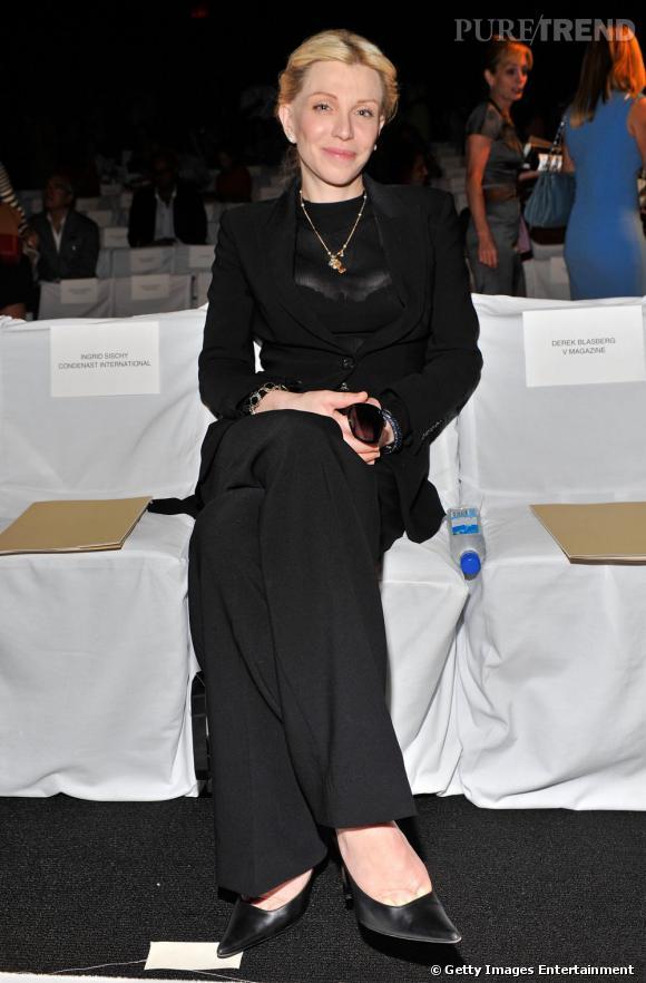 Courtney Love, veuve noire chez Michael Kors.