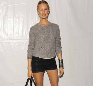 Karolina Kurkova, basique mais chic... A shopper !